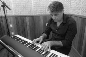 Christian BRENNER en trio avec Yoni ZELNIK et Olivier ROBIN @ Le Café Laurent